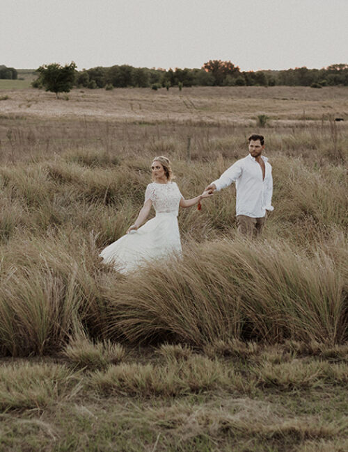 couple-rustic-elopement-monochromatic-copper-the-moxie-workshop-melanie-zentmeyer-photography
