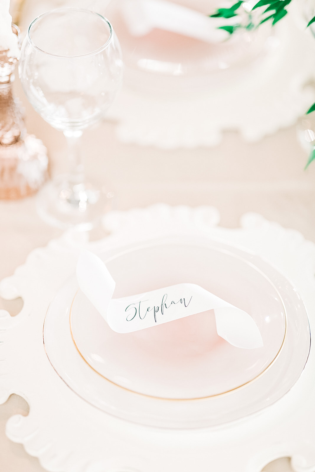 Romantic Wedding Place Cards | Curled Place Cards | Modern Calligraphy